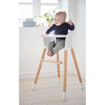 HIGH CHAIR WITH TRAY