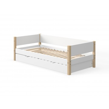 WHITE – SINGLE BED W. PULL OUT BED – CLEAR LACQUER LEGS